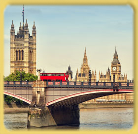Double Decker and Houses of Parliament, London, UK.